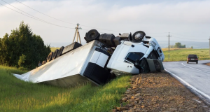 Houston Truck Accident Causes Death of Woman; Other Passenger Injured