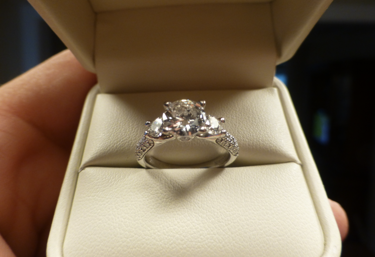 Increased gold vs white gold engagement rings